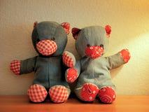 牛仔布玩具熊填充动物玩偶 免版税图库摄影