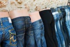 牛仔裤销售额 免版税库存图片