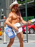 牛仔赤裸唱歌 免版税库存照片