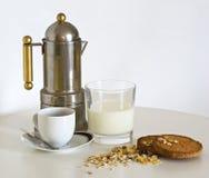 牛奶、咖啡和muesli 免版税库存图片