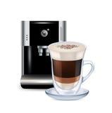 牛奶咖啡和被隔绝的咖啡机器 免版税库存照片
