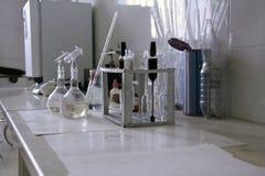 牛奶实验室 免版税库存照片