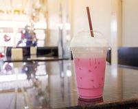 牛奶桃红色 免版税库存照片