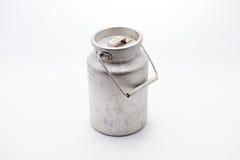 牛奶的罐 免版税库存照片