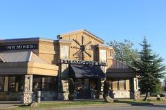 牛排餐厅和酒吧餐馆 免版税库存图片