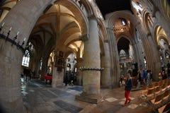 牛津,英国- 2017年7月15日-游人在大学镇基督教会里 免版税图库摄影