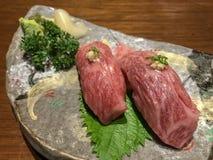 牛肉寿司 库存照片