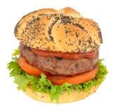 牛肉汉堡用在种子报道的卷的沙拉 免版税库存图片