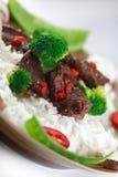 牛肉油炸物绿色混乱 免版税图库摄影