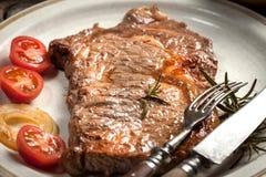 牛肉油煎的牛排 库存图片