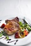 牛肉烤牛排蔬菜 库存照片