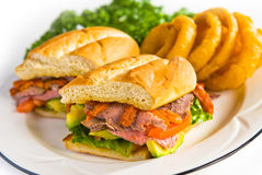 牛肉熟食店烘烤三明治 库存图片