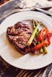 牛肉牛颈肉牛排 免版税库存图片