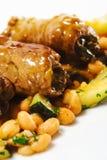 牛肉盘热肉卷蔬菜 免版税库存照片