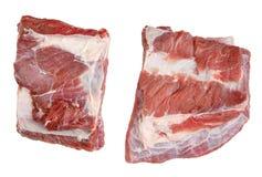 牛肉肉两个大片断与肋骨的汤烹调的 免版税库存照片