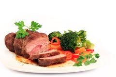 牛肉被雕刻的烘烤蔬菜 免版税库存图片