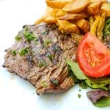 牛肉水多的肉牛排 免版税库存图片