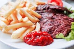 牛肉水多的肉牛排 免版税库存照片