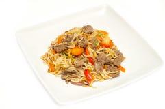 牛肉stirfry食物的mein 库存照片