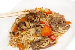 牛肉stirfry食物的mein 库存图片