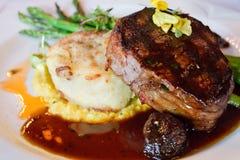 牛里脊肉牛排晚餐 图库摄影
