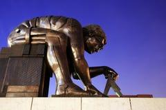 牛顿雕塑  免版税库存图片