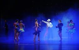 牛仔女孩这cha查家这奥地利的世界舞蹈 免版税库存图片