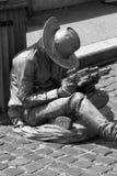 牛仔的生存雕塑 库存照片