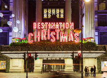 牛津街11月13日2014年,伦敦,装饰圣诞节和新的2015年,英国 图库摄影