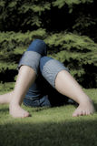 牛仔裤放松的妇女 库存图片