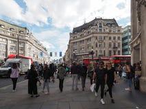 牛津马戏的人们在伦敦 免版税库存图片