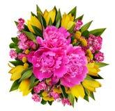 牡丹、郁金香和hawtorn花花束 免版税图库摄影