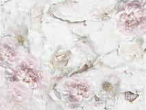 牡丹和玫瑰在破裂的墙壁上 库存照片