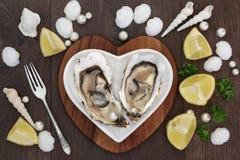 牡蛎和珍珠 库存图片