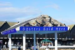 牡蛎在室外标志的待售 免版税图库摄影
