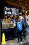 牡蛎待售 库存照片
