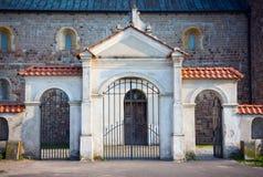 牧师会主持的教堂的门胃的 免版税库存图片