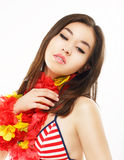 阴物。亚裔妇女画象有五颜六色的Origami花的 免版税库存照片
