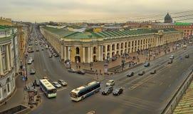 购物中心在涅夫斯基远景的Gostiny Dvor顶视图  库存照片