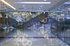 购物中心球灯  库存照片