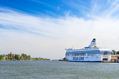 货物乘客巡航轮渡Silja线在赫尔辛基 图库摄影