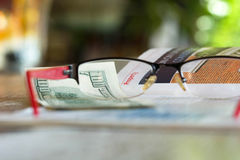 物产征税 库存图片