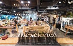 购物在泰国模范商城,曼谷 免版税库存照片