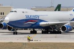 货物波音747飞机乘出租车 免版税库存照片