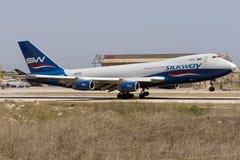 货物波音747飞机着陆 免版税库存照片