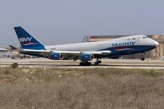 货物波音747飞机着陆 免版税库存图片