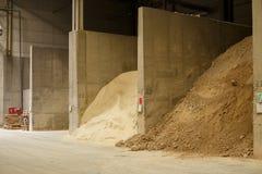 物质储款仓库在工厂的 免版税图库摄影