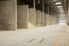 物质储款仓库在工厂的 免版税库存照片