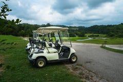 购物车重点高尔夫球第二方向盘 免版税图库摄影