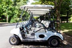 购物车重点高尔夫球第二方向盘 免版税库存照片